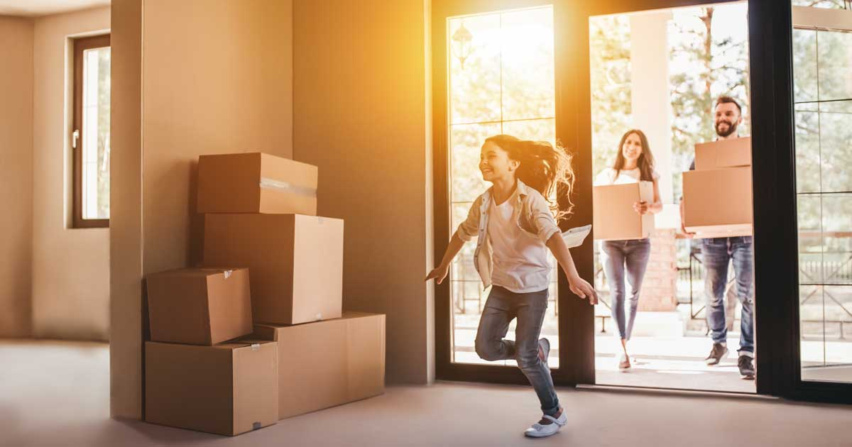costs of hiring movers to move into a new home