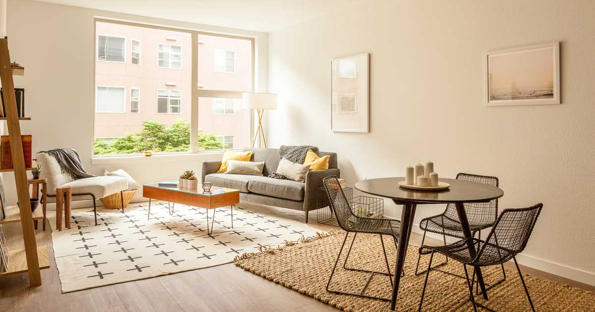 How to stage your living room to sell your home